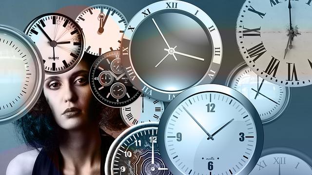dívka a čas
