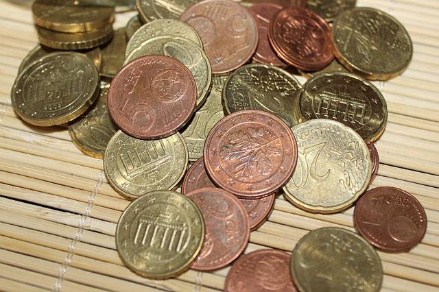 Jak člověk získá peníze?